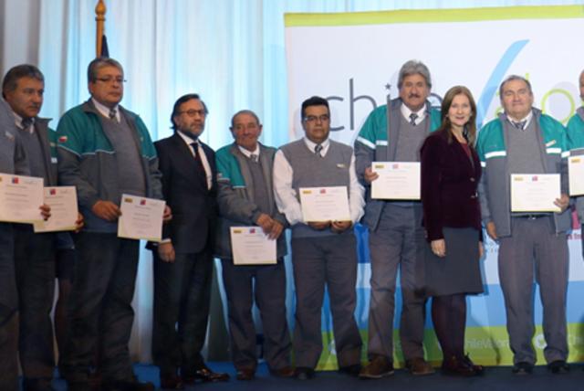 Conductores de Transantiago certifican por primera vez sus competencias laborales